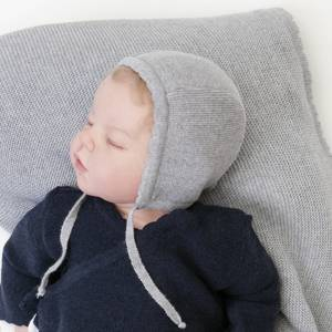 Bilde av Newborn lue i ull lysegrå